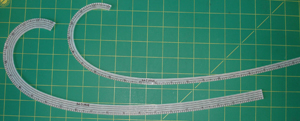 Curved Ruler